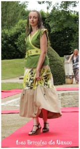 Haut vert et jupe customisés