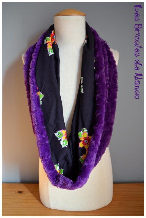 tour de cou fourrure duo de violet et fleurs