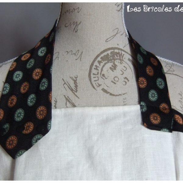 Bustier en lin attache cravate