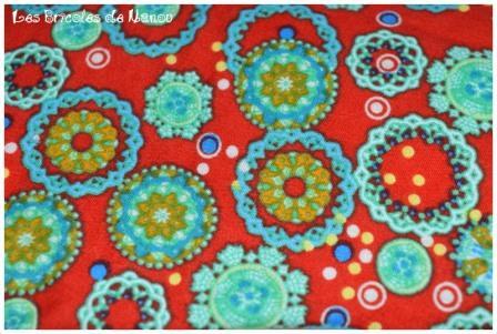 bouillotte cervicale écru et rouge à fleurs