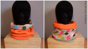 snood réversible en tissu polaire orange et coton à gros pois.