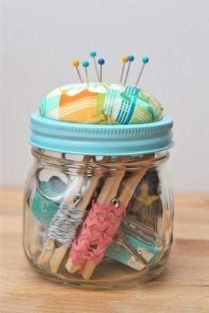 Trucs et astuces pour organiser son atelier: bocal pique épingle