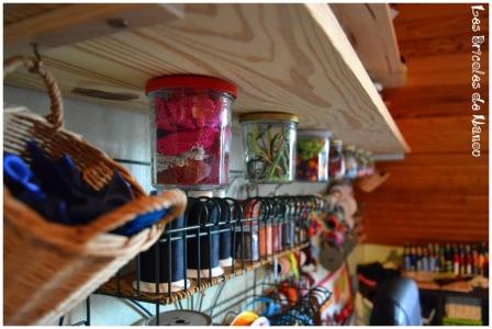 Organisation atelier: étagère et rangement dans pots