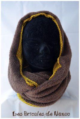 Tour de cou fourrure marron et jaune motifs noirs