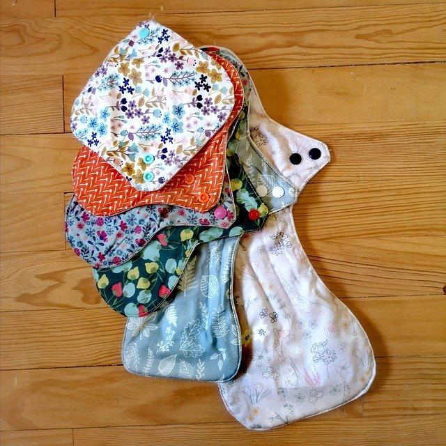 Stage couture serviette hygiénique lavable et culotte menstruelle.